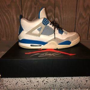 Air Jordan Retro 4 military blue